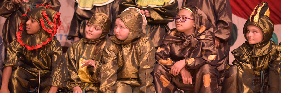 kids in lizard costumes